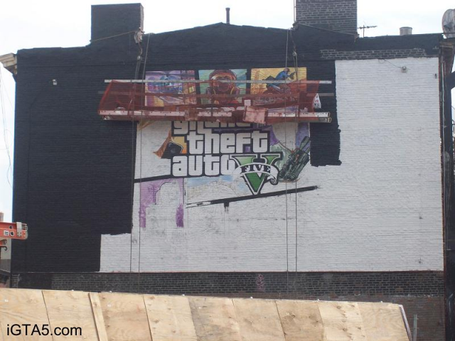 GTA V Cover Art Ad in NYC Being Painted 2