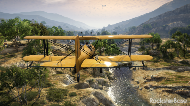 Cropduster flies along the Zancudo River